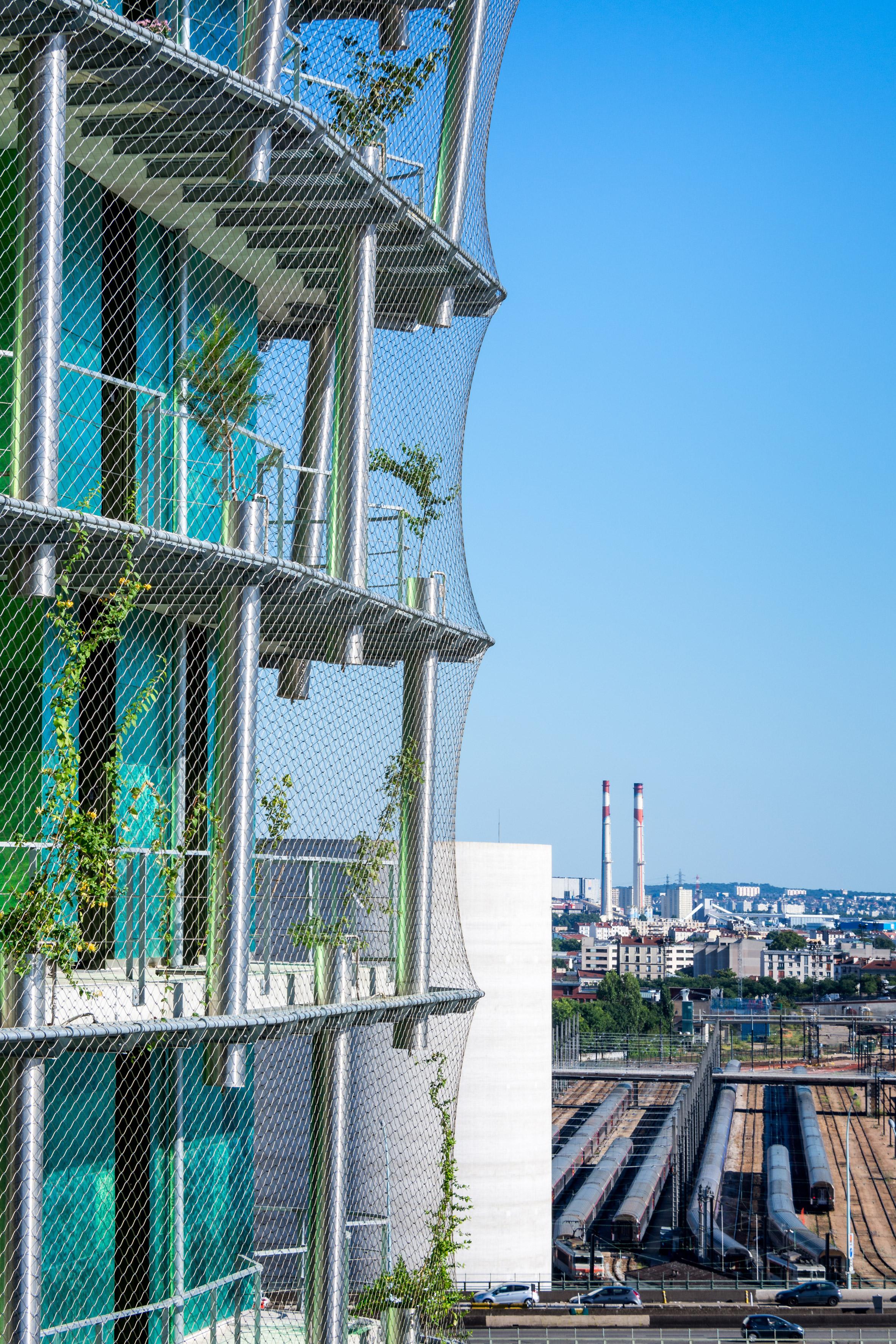 Paris está prestes a ganhar um prédio que espalha sementes por toda a cidade
