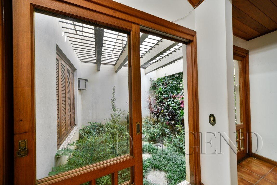 Ótima localização e de fácil acesso à Benjamin - Rua Marcelo Gama, 309 - São João - Porto Alegre