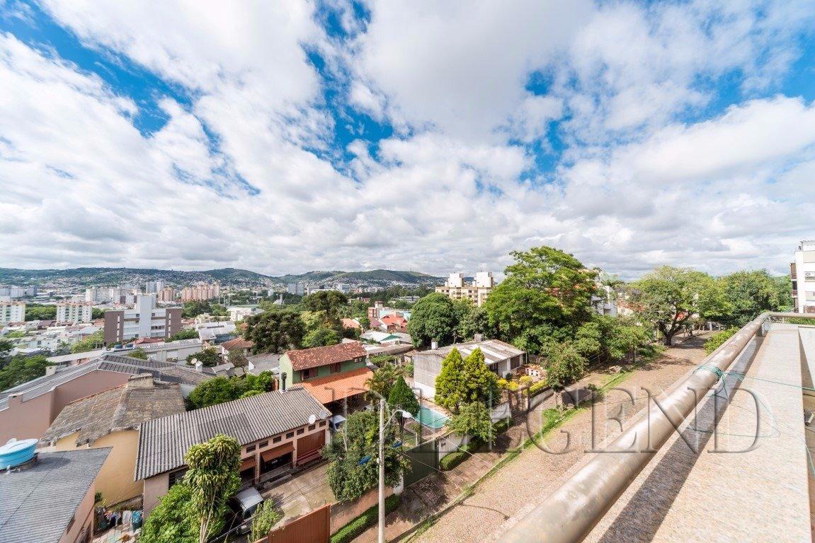 Excelente Triplex localizado próximo a Perimetral! - Rua Professor Gastao Dias de Castro, 100 - Jardim do Salso - Porto Alegre