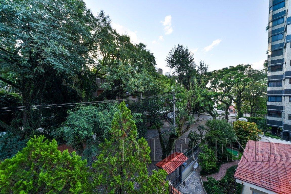 Rua calma e arborizada no alto da Bela Vista! - Travessa Farroupilha, 58 - Bela Vista - Porto Alegre