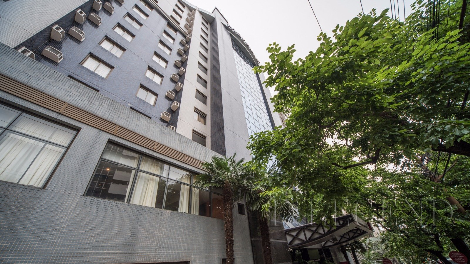 Manhattan Laghetto Flat - Rua Miguel Tostes, 30 - Moinhos de Vento - Porto Alegre
