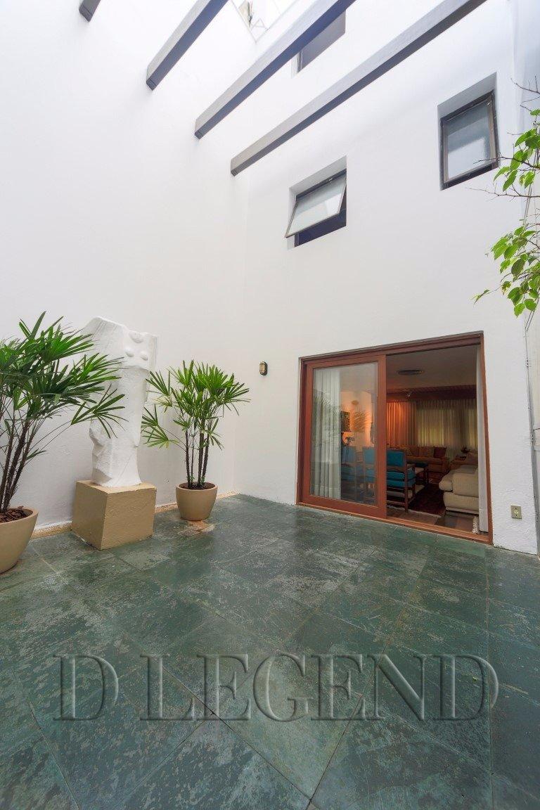 Muito espaço em ótima localização - Rua Joao caetano, 300 - boa vista - PORTO ALEGRE