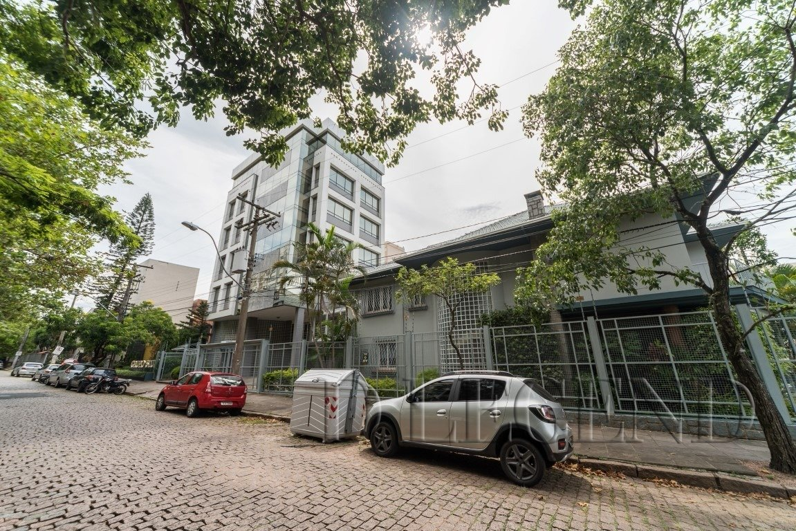 - Rua Cancio Gomes, 815 - Moinhos de Vento - Porto Alegre